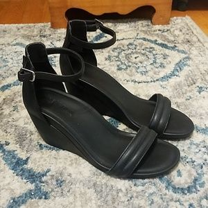 Kenneth Cole Reaction Wedge Sandals